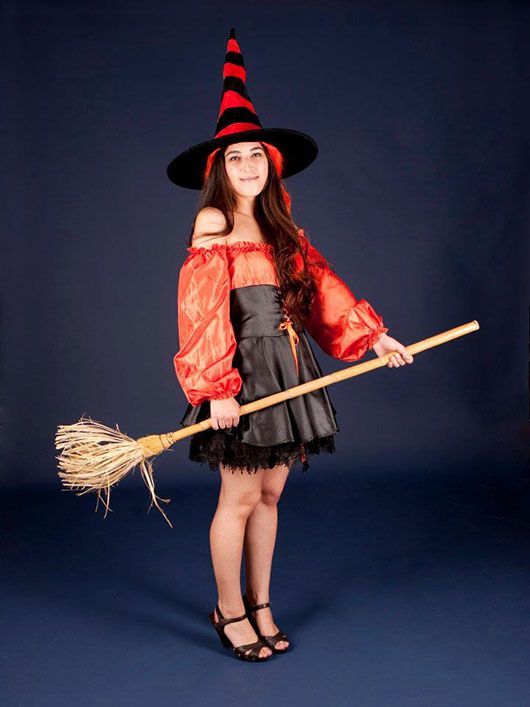 Bruja_traje corto rojo y negro
