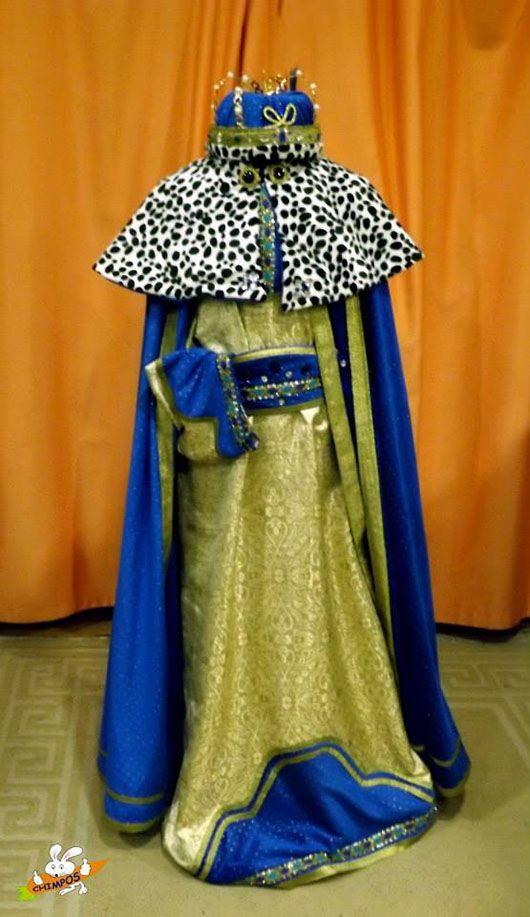 Gaspar-traje dorado y azul