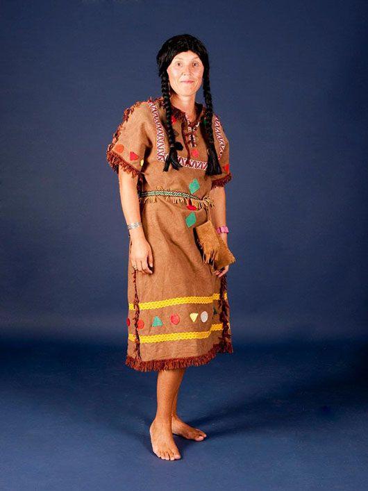 India-mujer_traje color tierra