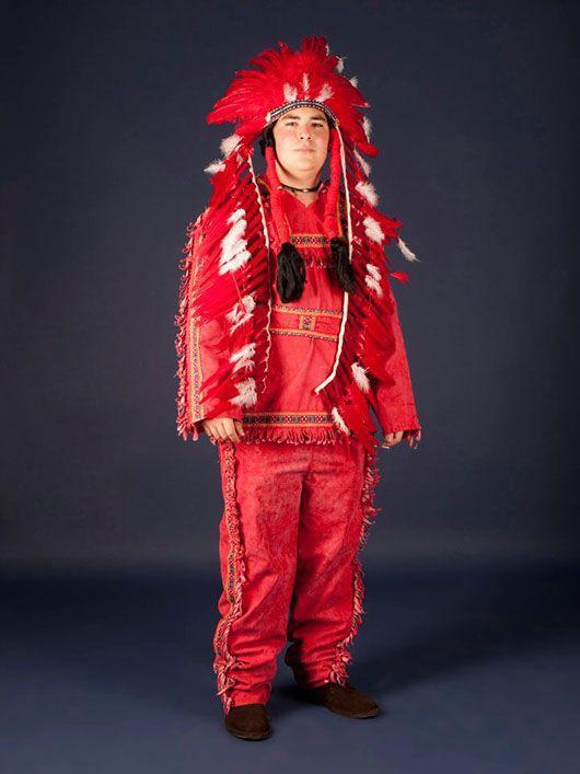Indio_traje rojo
