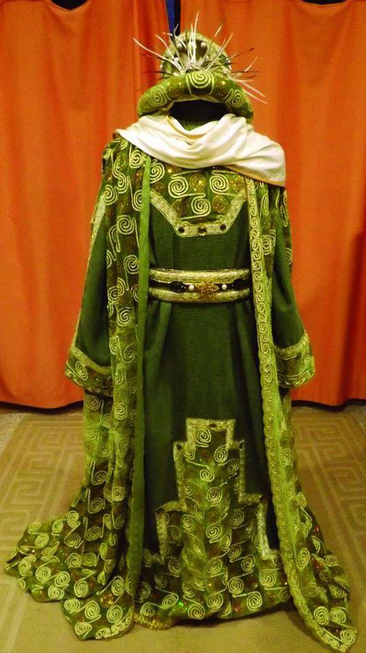Melchor_traje verde