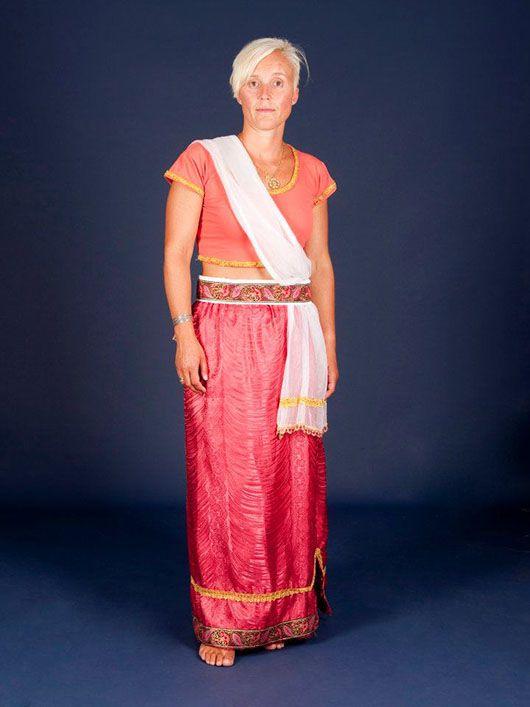 Mujer hindú_traje rojo