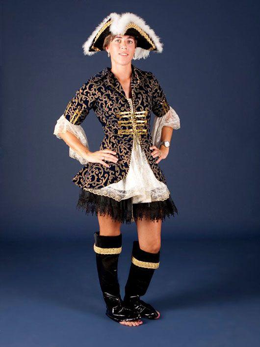 Mujer pirata_traje negro y dorado