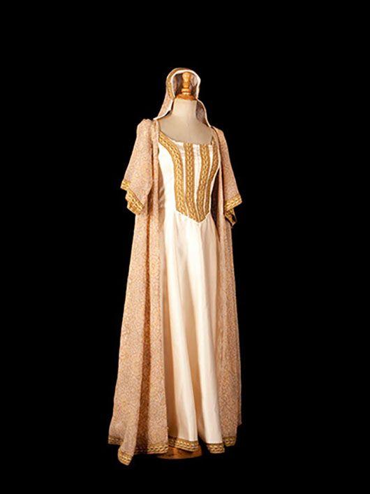 dama medieval_traje beige